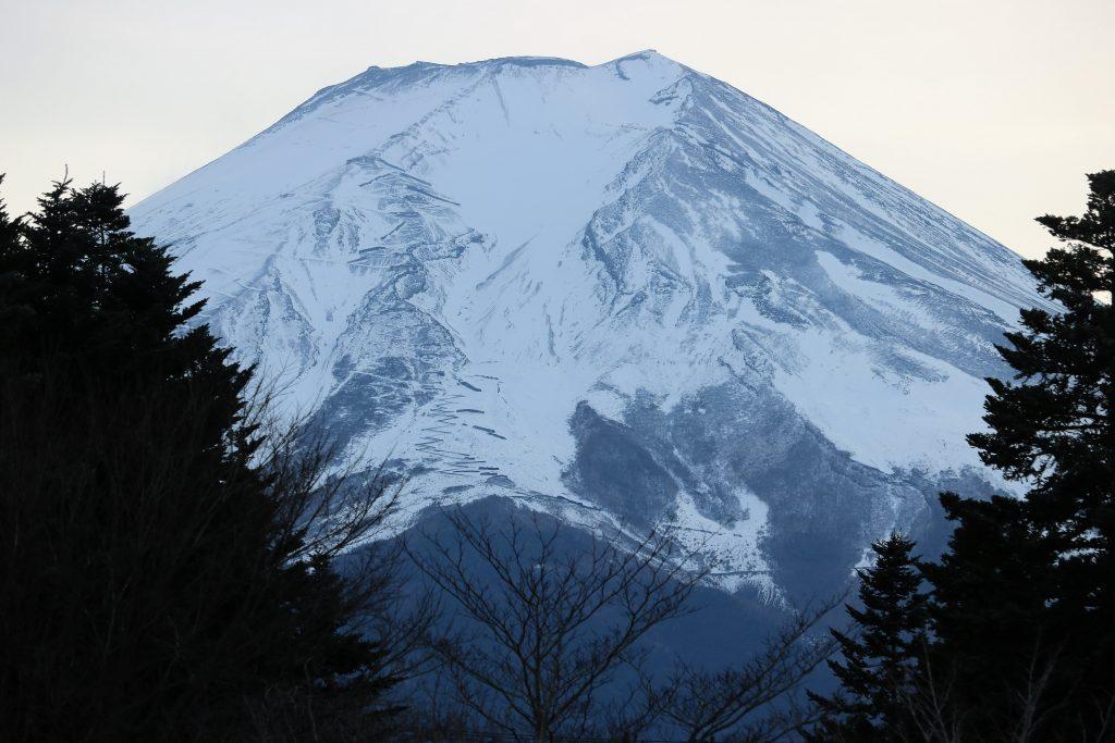 富士山 夕暮れの佇まい