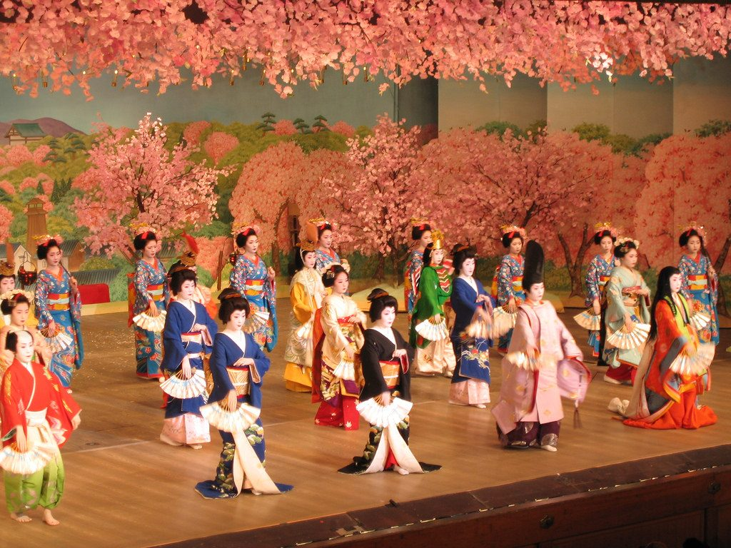 Cherry dance in Kyoto, Japan 都をどり、京都、日本 6