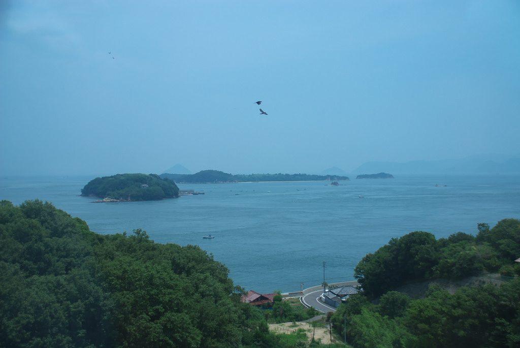 特急から見下ろす瀬戸内海