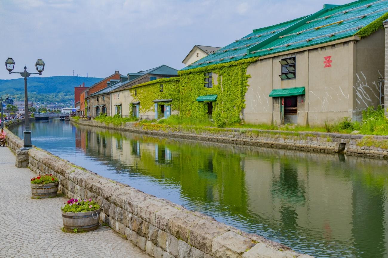 「小樽運河」をのんびり散策!ノスタルジックな港町で歴史を感じる街歩き